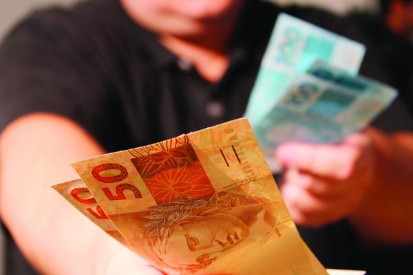 Atenção na hora de investir! Certas opções não pagam sequer a inflação e reduzem seu patrimônio