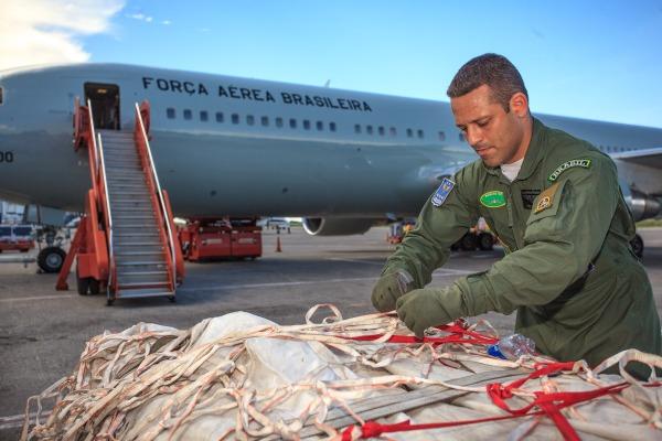 Aeronave C-767 decolou de Brasília rumo ao Haiti com cerca de 20 toneladas de material
