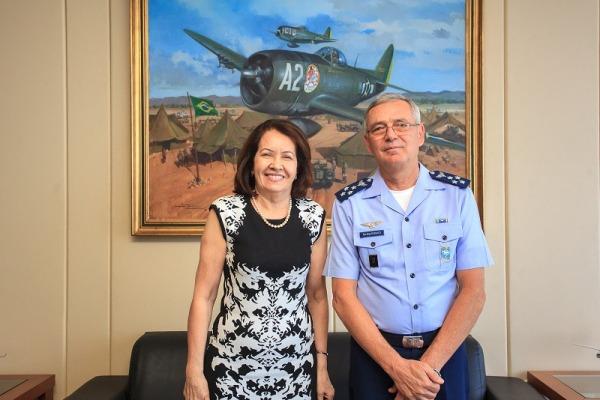 Tenente-Brigadeiro Rossato apresentou os Projetos Estratégicos à Ministra Laurita