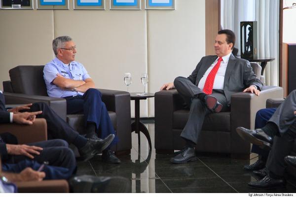 Assunto foi abordado em encontro entre Comandante da Aeronáutica e ministro de Ciência, Tecnologia, Inovação e Comunicações