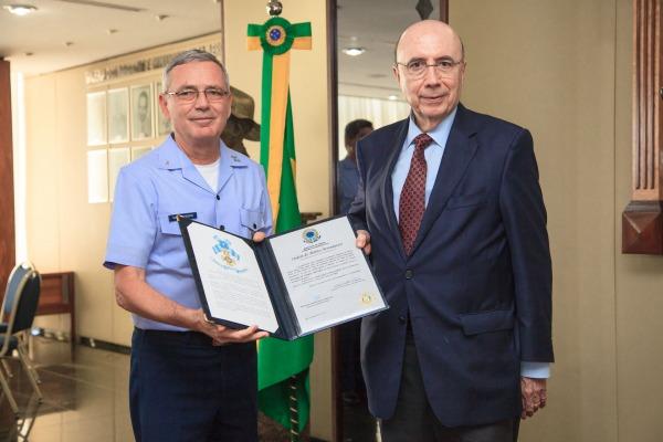 Meirelles recebeu a Ordem do Mérito Aeronáutico. Neste ano, a comenda foi entregue a 180 personalidades