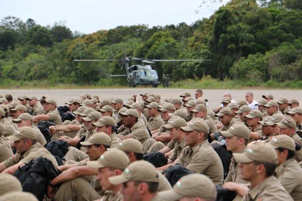 Exercício foi coordenado por instrutores do Centro de Ensino da PMSC em conjunto com militares da BAFL