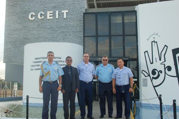 Comandante da Fuerza Aérea Argentina acompanhou o lançamento de um foguete de treinamento em Natal