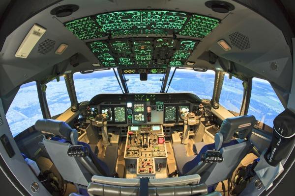 Equipamento reproduz 100% do voo na aeronave e permite substituir horas de treinamento com redução de custos