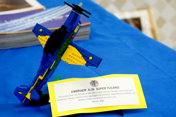 Aeronave da Fumaça participa de votação para virar brinquedo da Lego
