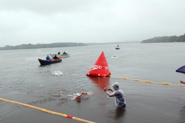 Desafio promovido pela Base Aérea de Santos consiste em 24km de prova no Canal de Bertioga