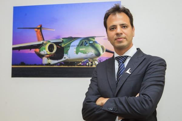 Diretor de financiamento de vendas apresentou a experiência da empresa na exportação de produtos de defesa