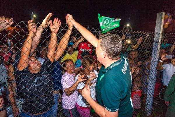 População de Manaus realizou uma acolhida ao prefeito de Chapecó