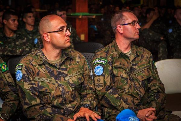 Tenente Duarte é o comandante do pelotão da FAB