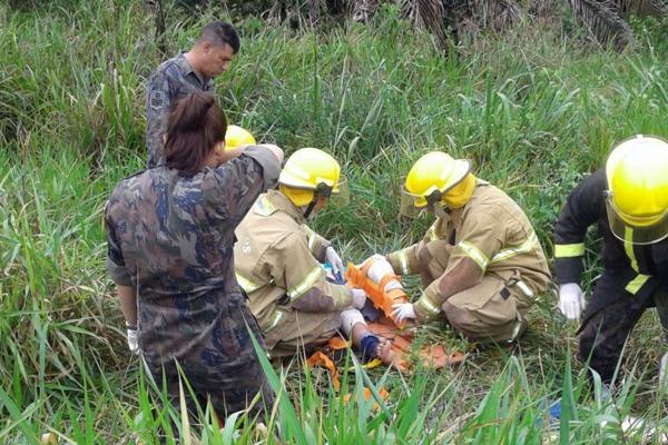 Médicos, enfermeiros e bombeiros do CPBV atenderam a ocorrência que aconteceu próximo ao portão da unidade
