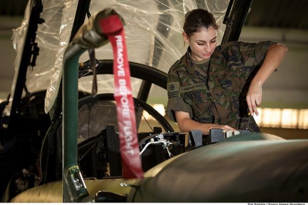 Os selecionados irão fazer curso de dois anos em Guaratinguetá e, ao final, serão declarados sargentos especialistas