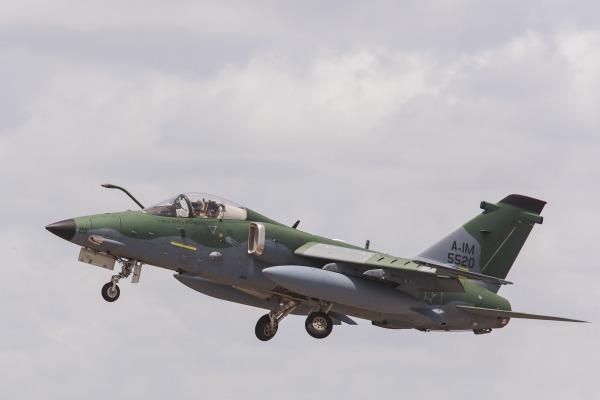 Aviões do Esquadrão Adelphi, desativado em Santa Cruz (RJ), seguem nesta quinta-feira para a cidade gaúcha onde dois esquadrões operam o modelo