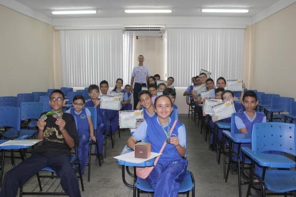 Escola conveniada à FAB ganha medalhas em olimpíada de matemática