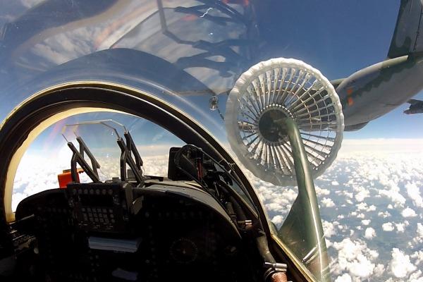 Voo do KC-390 como tanker e de caças F-5M como receivers aconteceu em Santa Cruz, na Ala 12