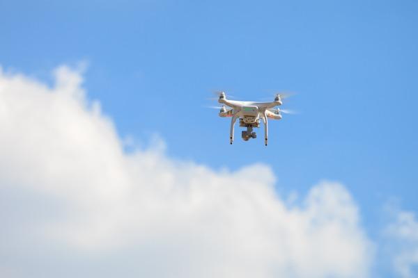 A utilização das aeronaves remotamente pilotadas deve ser feita seguindo normas de segurança
