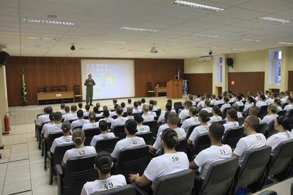 Estágios que formam oficiais do QOCON têm duração de doze meses e constam de três fases