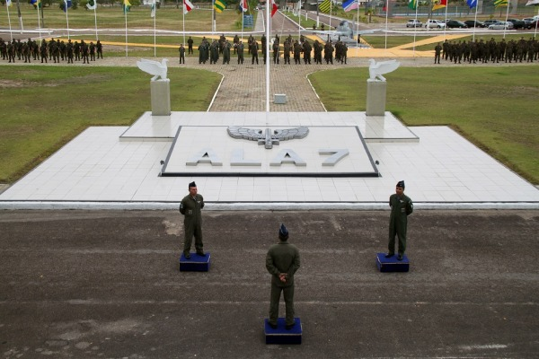 Solenidade contou com a presença de diversas autoridades civis e militares