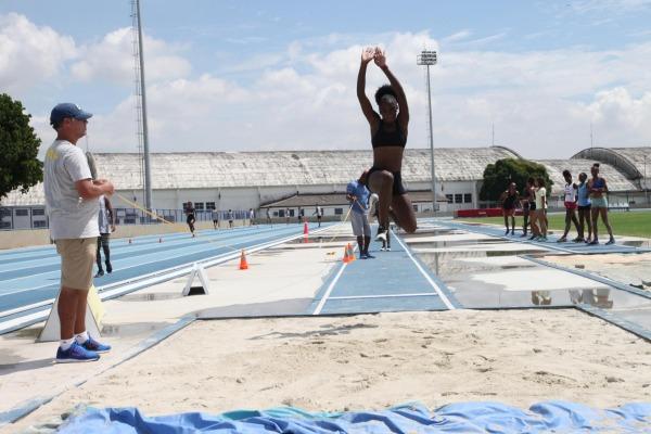 Parceria entre FAB e Confederação Brasileira de Atletismo estimula integração entre equipes e treinamento profissional