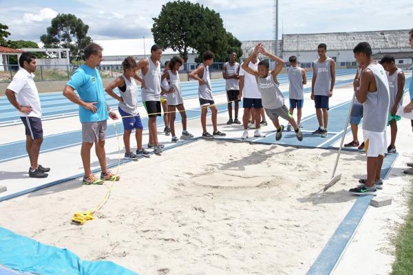 Organizações governamentais e não governamentais utilizam complexo olímpico para prática esportiva