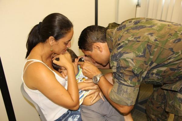 Profissionais militares da saúde vão atender nas cidades de Tabatinga (AM) e Leticia, na Colômbia