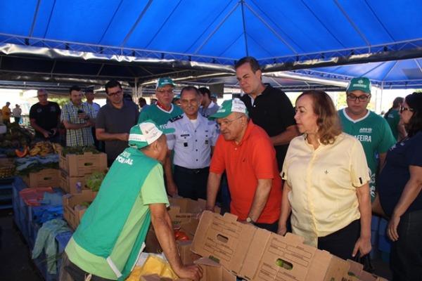 Foram entregues cinco toneladas de adubo orgânico e milhares de embalagens para itens hortifrutigranjeiros