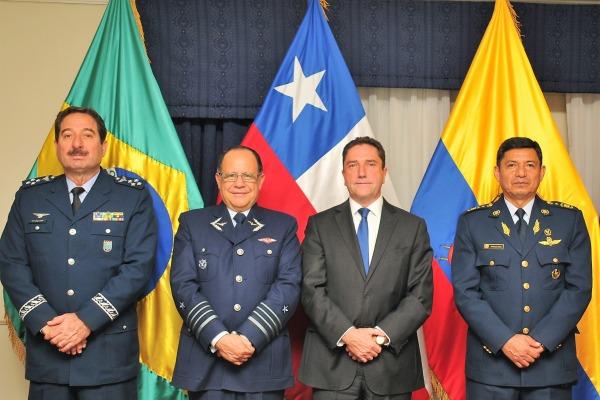 Os quatro países que operam o caça de ataque leve assinaram memorando de entendimento nessa segunda (20/03)