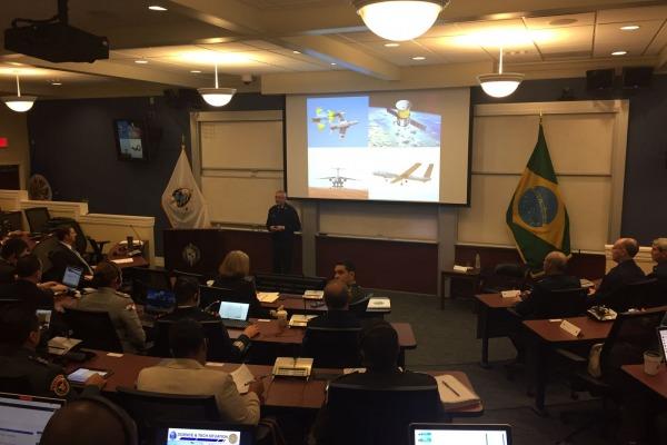 Comitiva brasileira reuniu-se com representantes de instituições de ensino em defesa