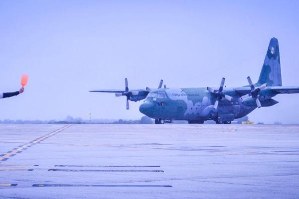 Esquadrão Gordo retorna ao Brasil após 10 dias de missões