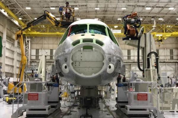 Fabricante também indica que cargueiro militar poderá ter versão para uso civil