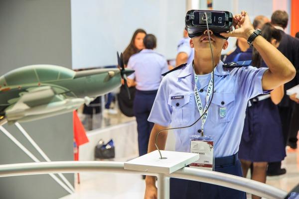 Assista na reportagem um modo diferente de conhecer as aeronaves A-29 e KC-390