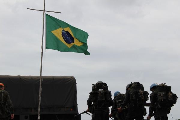 Os militares tiveram instruções sobre tiro militar, montagem de rede de selva, ofidismo, entre outras