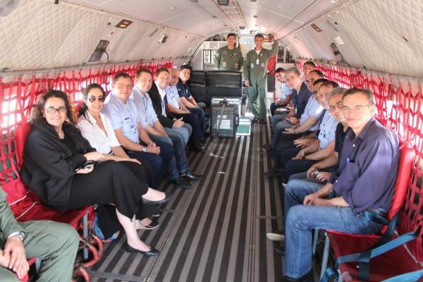 A bordo do C-105 Amazonas o grupo foi até Dourados, uma das sedes da Ostium