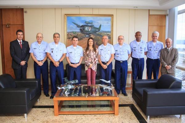 Deputada federal Bruna Furlan se inteirou mais sobre o processo de reestruturação da FAB