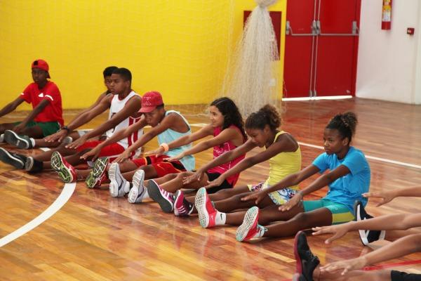 Crianças e adolescentes participam de competiçao no Centro Olímpico de Treinamento da Aeronáutica (COTA)