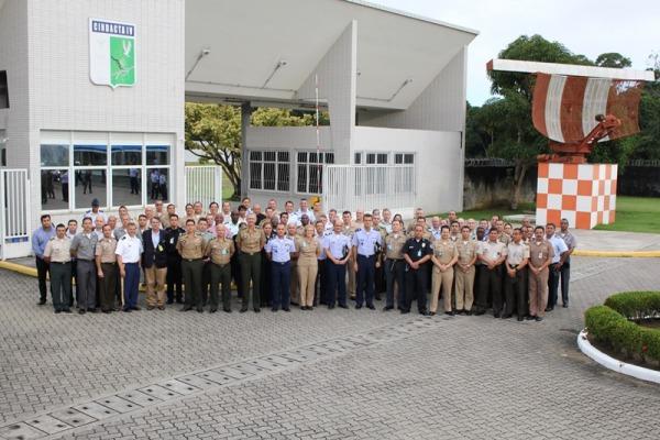 Comitiva do Colégio Interamericano de Defesa fez visita de estudos para Mestrado em Segurança e Defesa Hemisférica