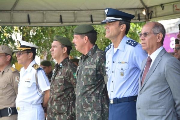 Maj Brig Minelli presidiu a cerimônia do Dia da Vitória em Belém