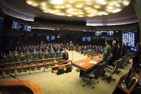 A homenagem, proposta pelo deputado Victório Galli, ocorreu nesta terça-feira (16) e contou com a presença de autoridades militares