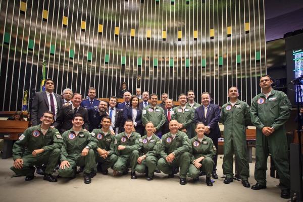 Parlamentares homenagearam Esquadrilha da Fumaça