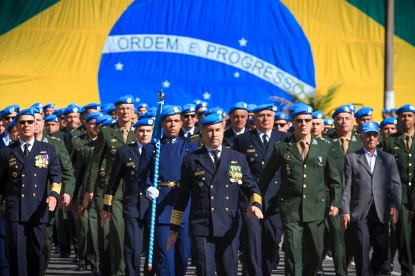 A solenidade contou com a presença de representantes das três forças e homenageou soldados que faleceram em missões de paz