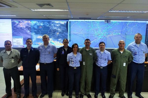 Foram oferecidos cursos de gerenciamento regional e manutenção operacional