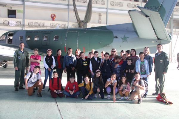 28 alunos  e três professoras participaram da visita
