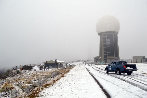 Com o inverno, militares do Destacamento de Controle do Espaço Aéreo de Morro da Igreja superam os desafios para manter o funcionamento dos equipamentos