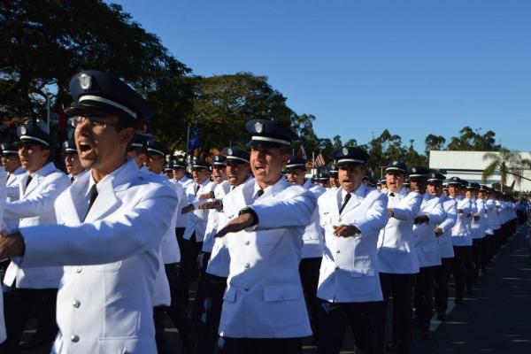 Além da formação inicial de soldados e sargentos, oficiais também concluíram curso de aperfeiçoamento