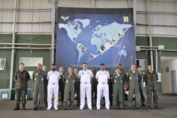 Objetivo foi a troca de experiências e técnicas, além de conhecimentos sobre a aeronave P-3
