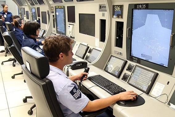 Conhecido como berço do controle radar brasileiro, órgão homenageou militares e civis
