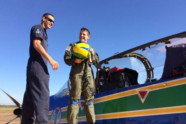 Três aviadores completaram fase avançada do curso e estão prontos para participar de apresentações da Esquadrilha