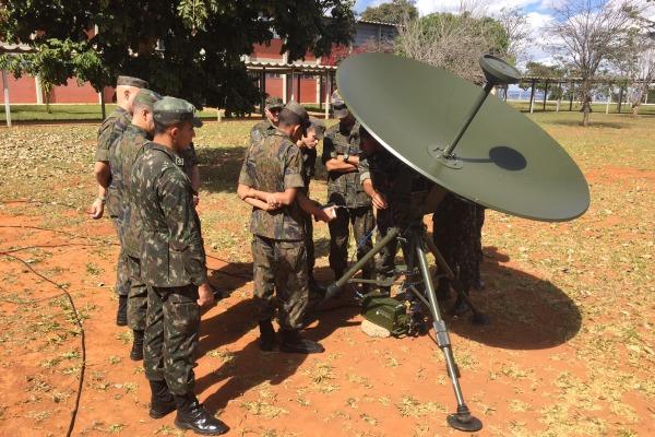 ``As instruções trouxeram novas possibilidades de melhoria no emprego dos nossos equipamentos``, afirma o Comandante do 1º GDAAE