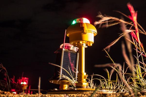 A troca de lâmpadas incandescentes por tecnologia LED proporciona maior nitidez e gera economia