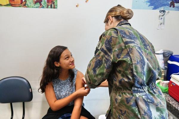 Voltada para público infanto-juvenil, campanha disponibiliza seis tipos de vacina