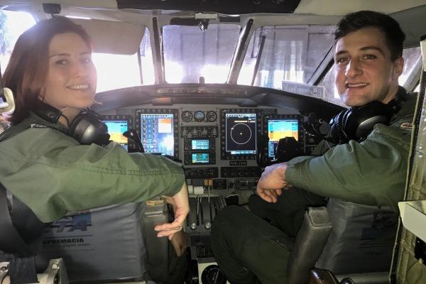 Tenente Juliana e Tenente Patorniti, pilotos da aeronave